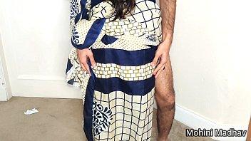 Мускулистый парень дрюкается со своей пребывавшей женой у нее особняка