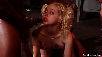 Блонда хочет стать порева актрисой и её ждёт кастинг