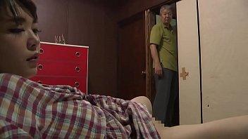 Отец делает из дочки звезду взрослого кино и записывает горячий секс инцест на камеру